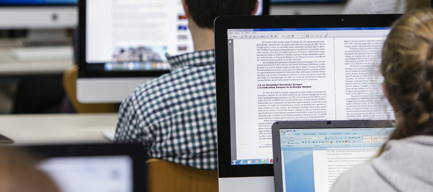 Doble grado en Periodismo + Políticas | Universitat Abat Oliba CEU